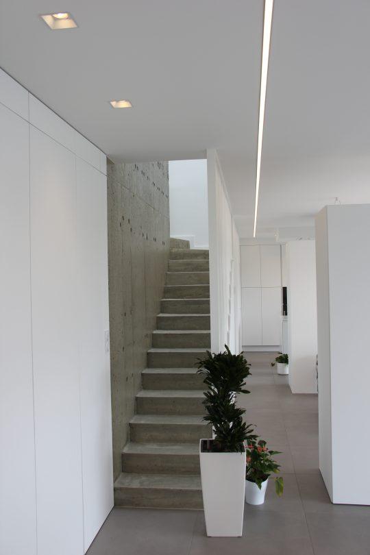 architecture d'intérieur maison N. vue des deux meubles séparatifs