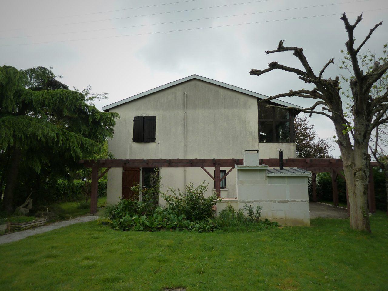 Vue du jardin (Nord-Ouest) avant travaux rénovation extérieure maison R